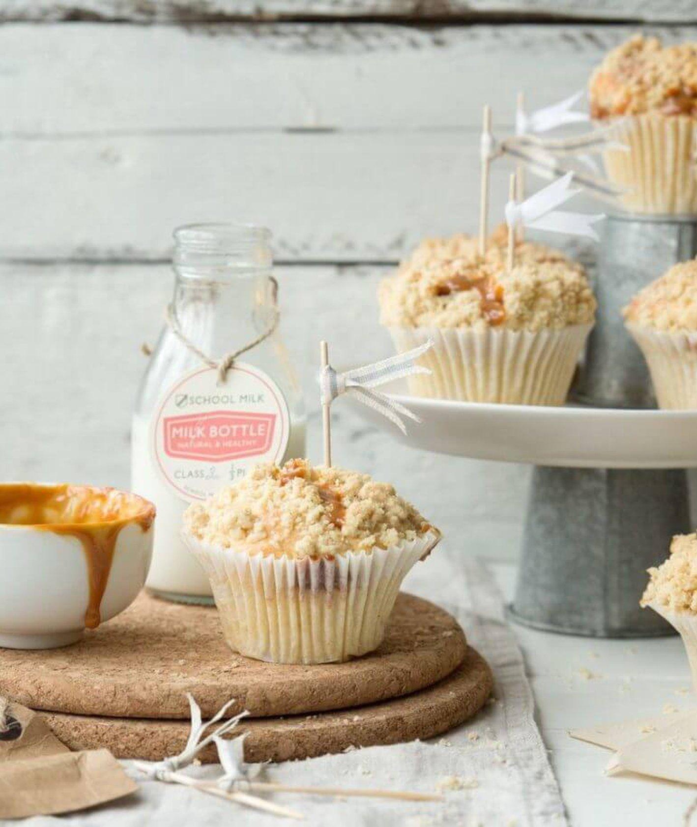 babeczki z kruszonką, muffinki z kruszonką, muffinki z jabłkiem, ciasto z jabłkiem, szybkie babeczki, domowe muffinki, domowe babeczki, babeczki z kajmakiem, przekąski na imprezę, desery dla dzieci, muffinki