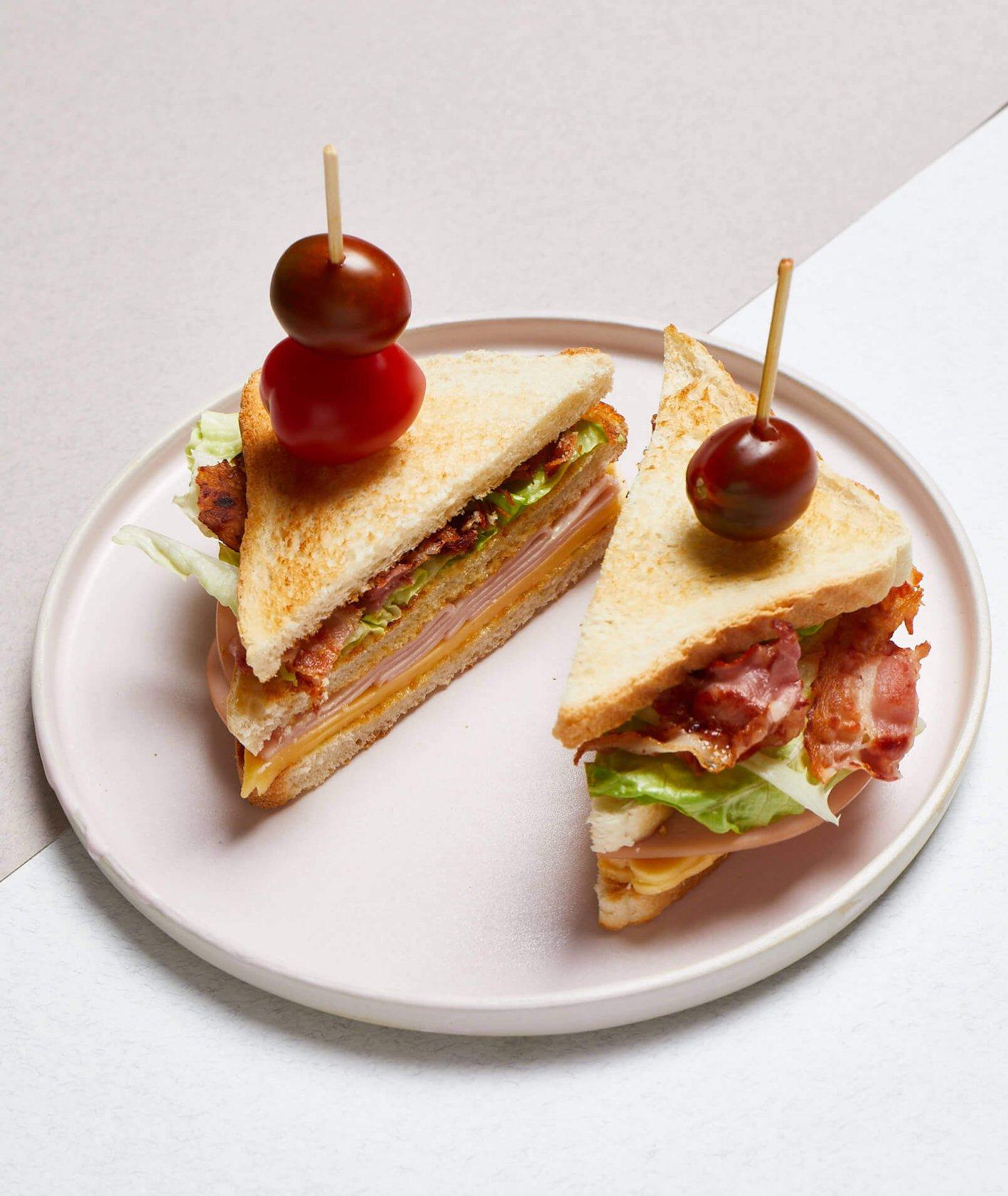 kanapka klubowa, domowa kanapka klubowa, przekąski na imprezę, club sandwich,