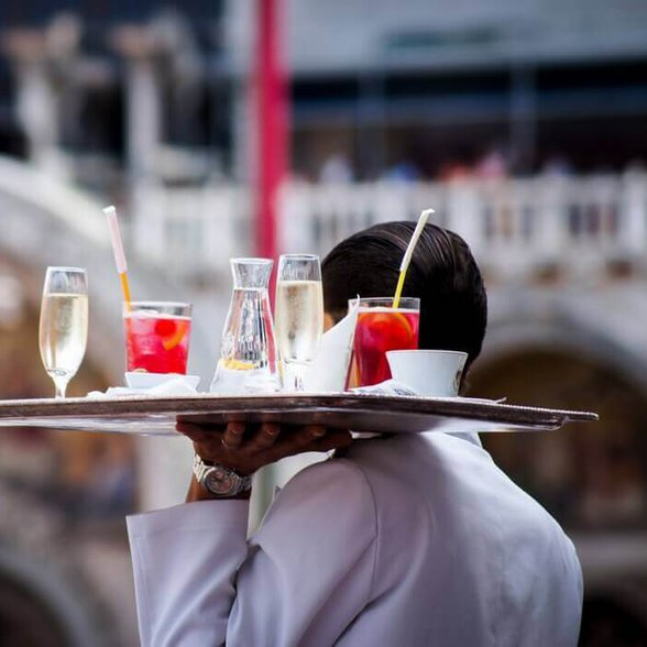 slang barmański, barman, kelner, co zamówić w barze,