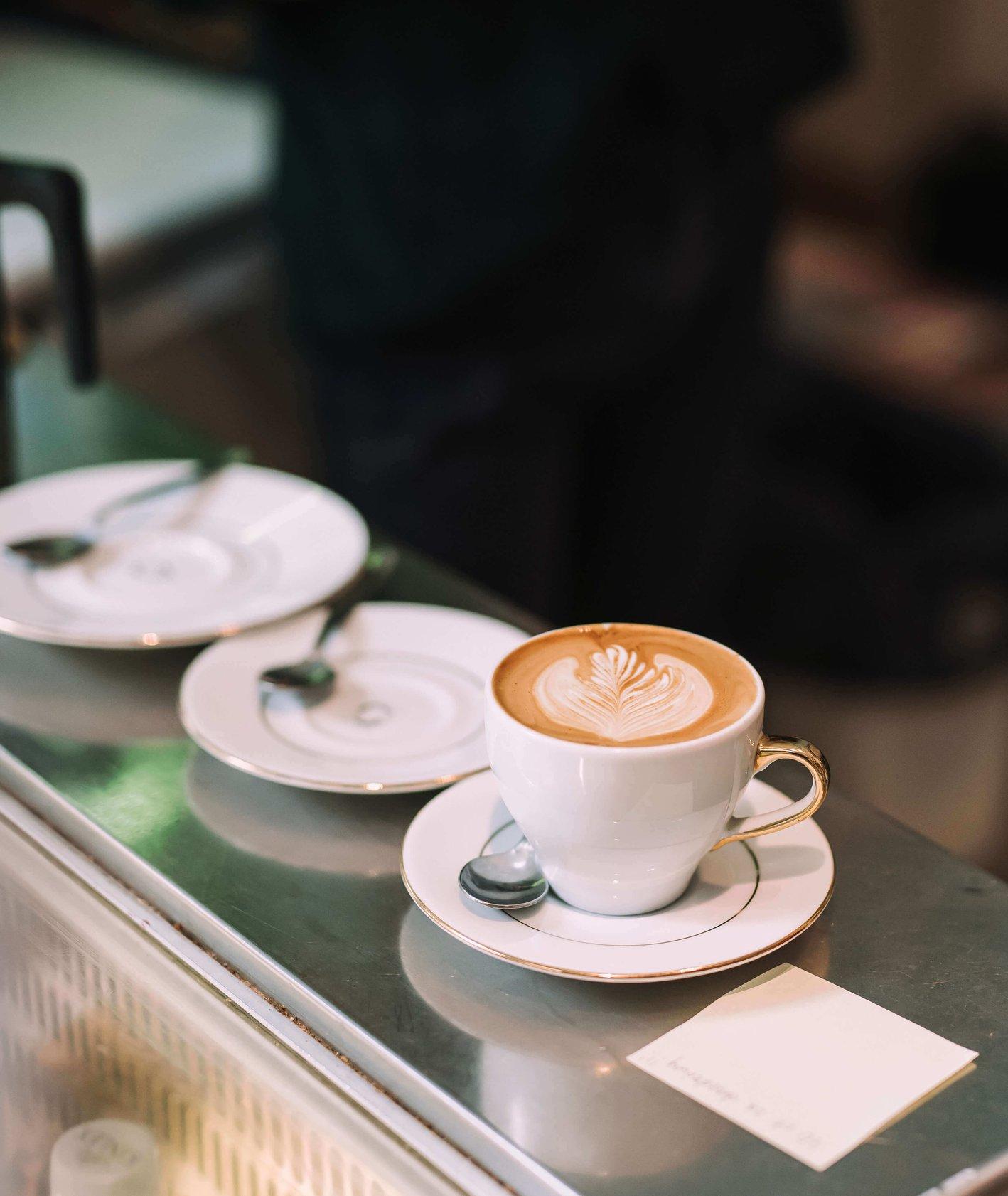 Pomysły na biznes – dwa podejścia do kawy
