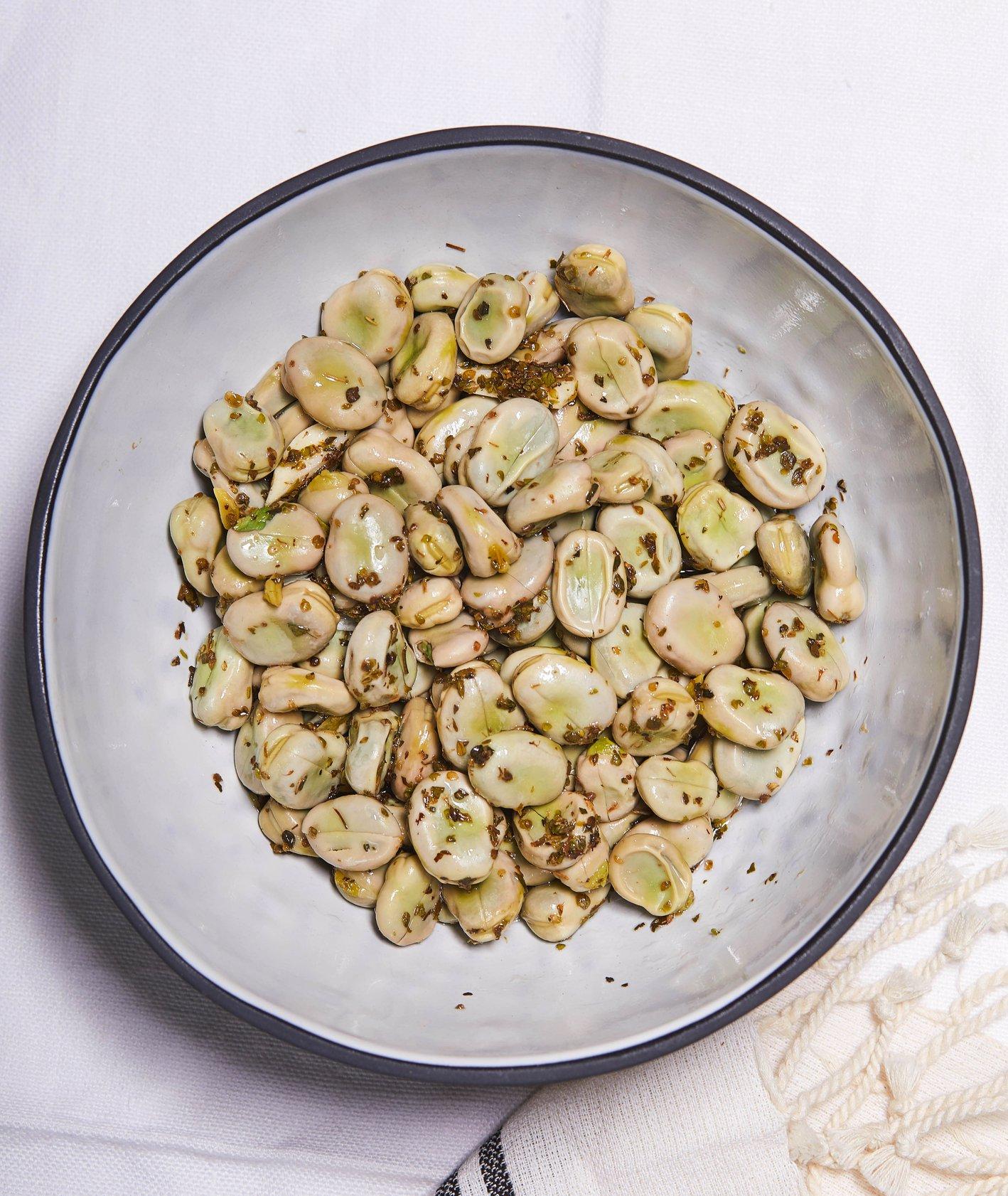 Bób po sycylijsku z oliwą i oregano