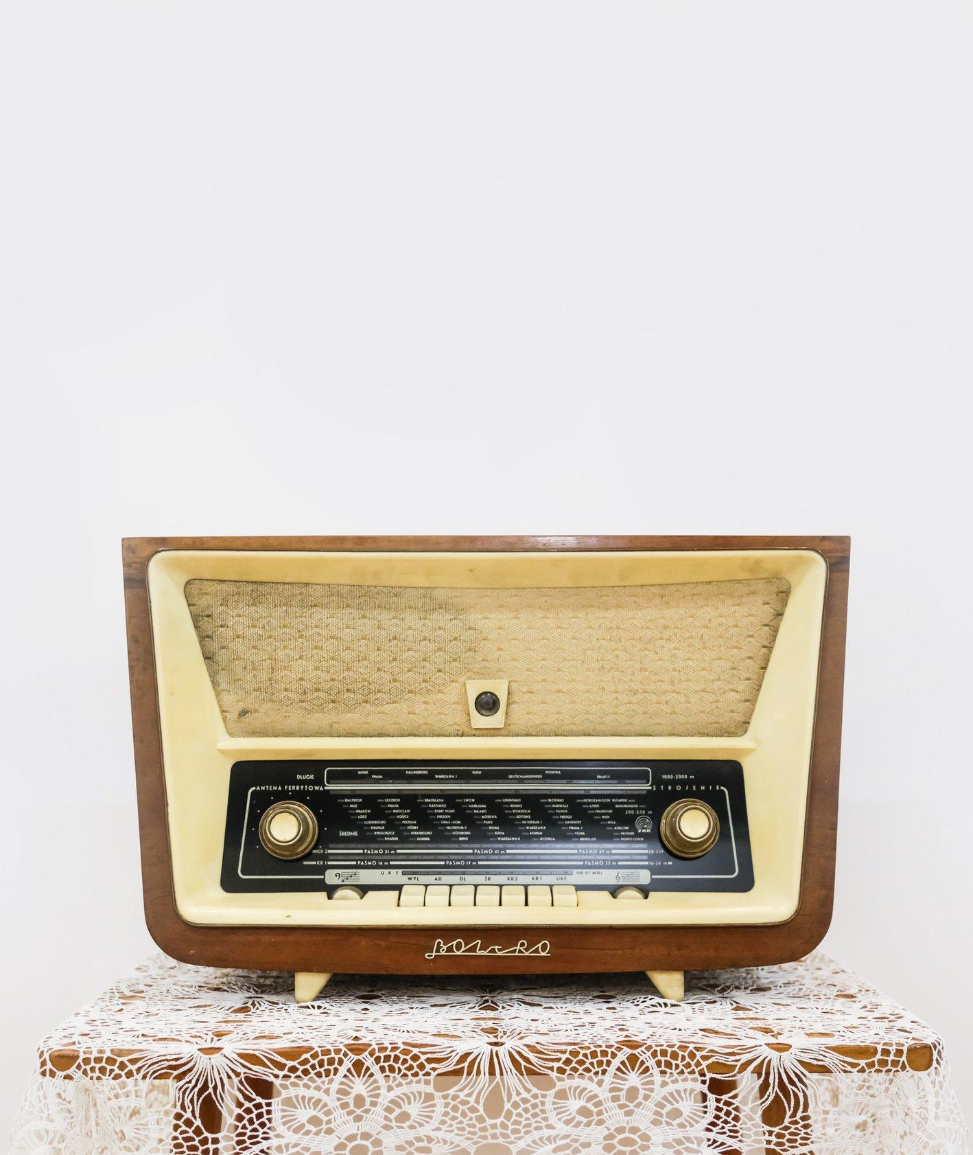 Stare radio firmy Bolero z okresu PRL (fot. Witalis Szołtys)