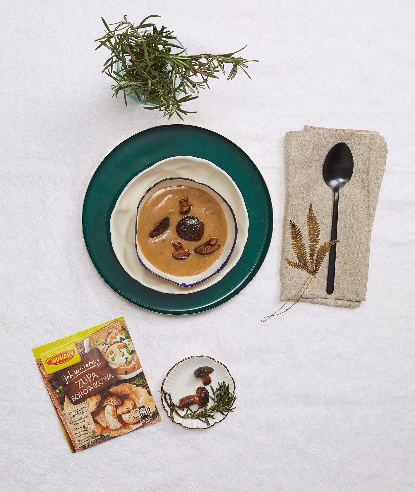 Zupa borowikowa ze smażonymi grzybami z rozmarynem, Winiary, przepis Tomek Zielke