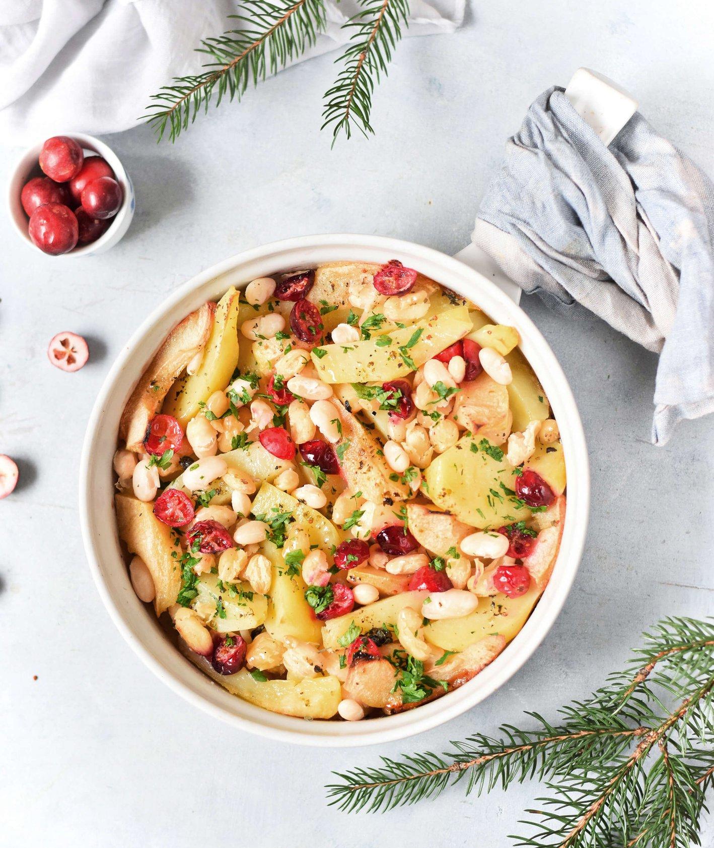 Ziemniaki zapiekane z fasolą, jabłkiem i żurawiną, przepis Anna Szewczak